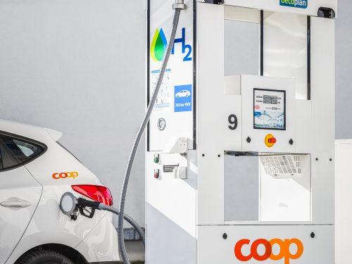 Coop inaugura la prima stazione pubblica di rifornimento di idrogeno in Svizzera