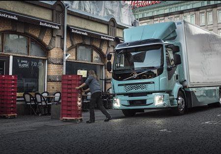 """Volvo Truck presenta """"FL Electric"""" pensato per la distribuzione delle merci nei centri urbani"""